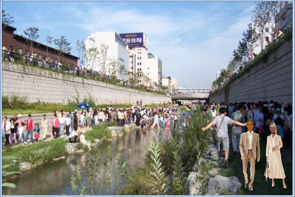 Spektakel am Cheonggyecheon.